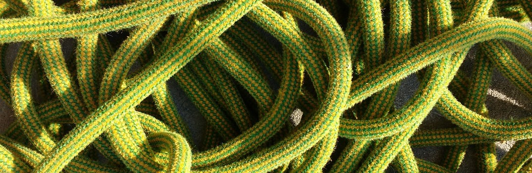tangled climbing rope